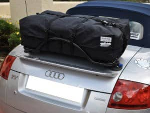 bmw z4 trunk rack e89 with a revo-rack fitted with a boot-bag vacation on it