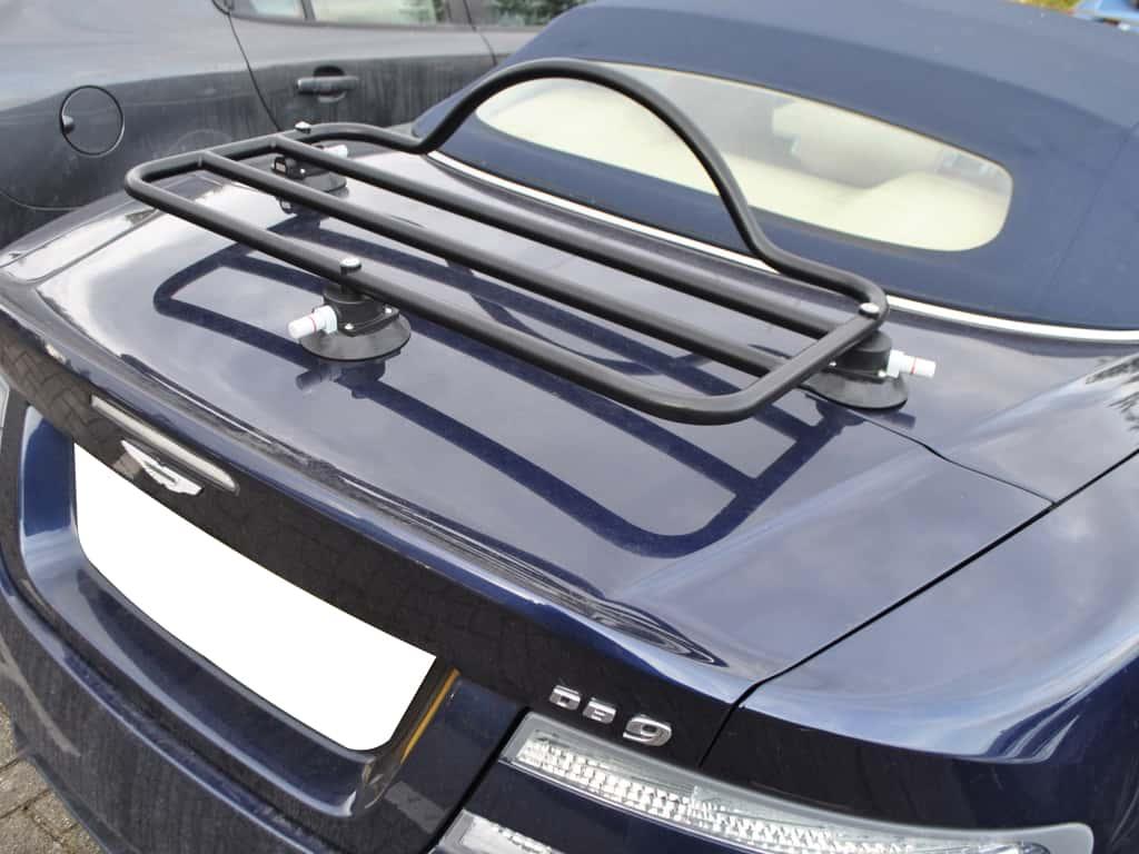 bleu aston martin db9 cabriolet avec porte bagage