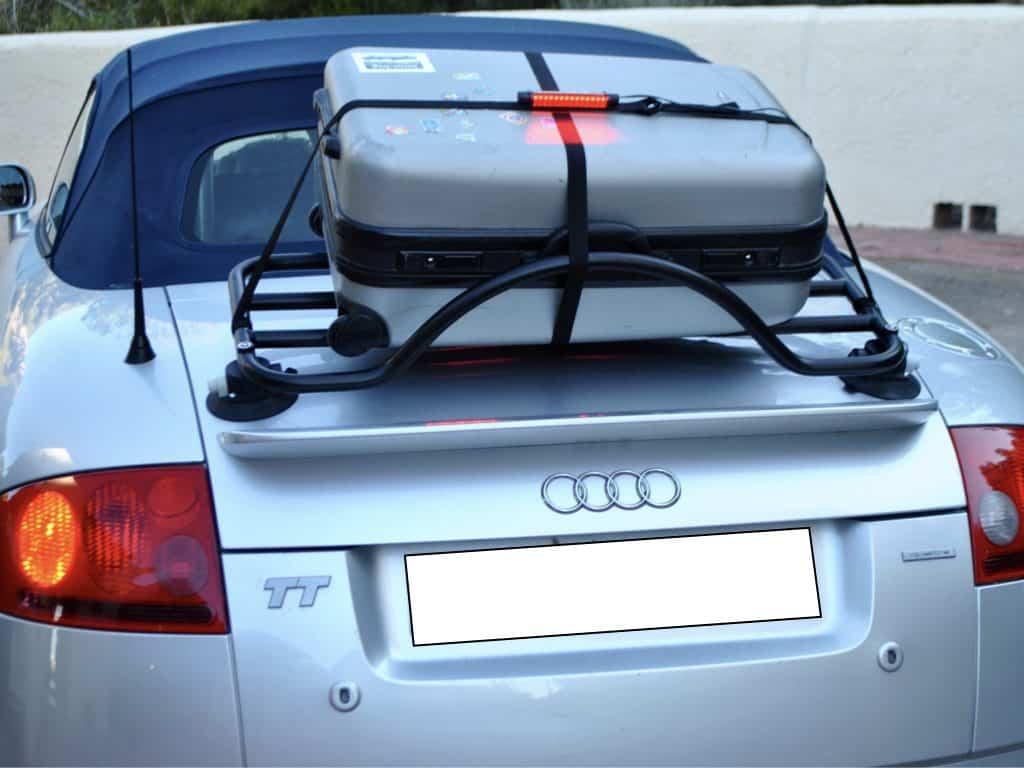 Porte-bagage en option avec troisième feu stop intégré